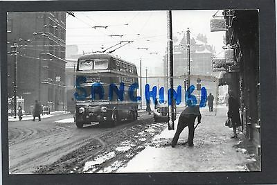 Nottingham Trams Postcard Size Old Photo, Trolley Bus In Snow To Carlton. Ref22