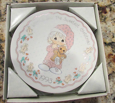 Wishing You The Sweetest Christmas Collectors Plate Dated 1993 Precious Moments