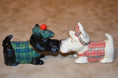 NEW MWAH! Westland SCOTTISH TERRIERS Magnetic Kissing Salt & Pepper Shakers