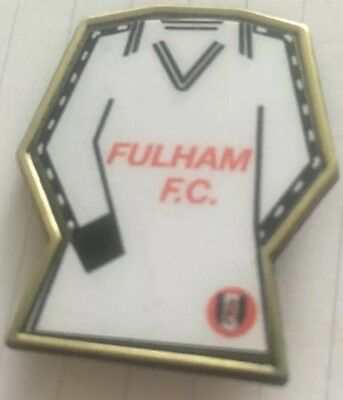 Fulham   SHIRT / KIT FOOTBALL INSERT METAL BADGE