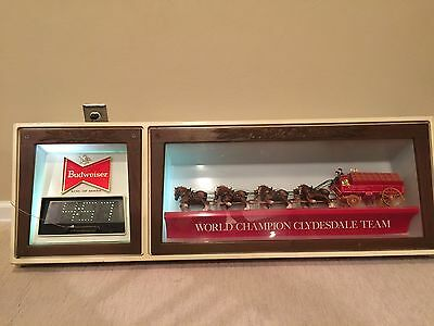 Beautiful Vintage Budweiser Clydesdales Beer Sign Large Advertising Light