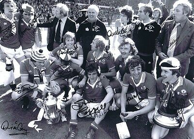 HAND SIGNED 16x12 PHOTO MAN UNITED 1977 FA CUP FINAL WINNERS
