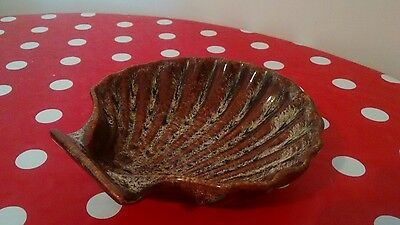 fosters pottery scallop shells dish