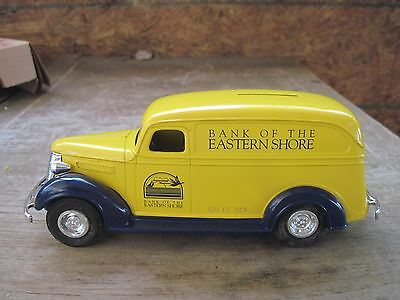 """1995 ERTL """"BANK OF THE EASTERN SHORE"""" Die-cast Chevy Panel Truck Bank-H221"""