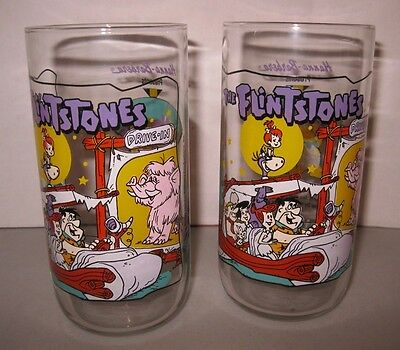 """Set Of 2 Flintstones Drinking Glasses ~ Hardee's """"going To The Drive-In"""""""