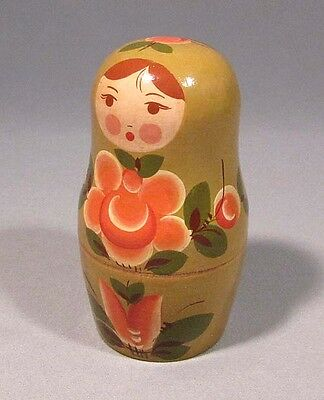 Nesting Dolls Russian Toy Matryoshka Russian Wood Old Vintage 5 piece