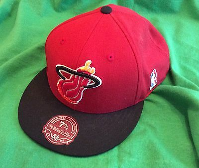 Mitchell & Ness Hardwood Classic NBA Miami Heat Cap 73/4 62cm