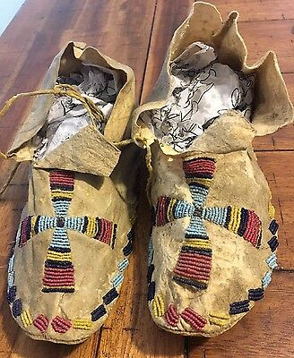 Vintage Circa 1910 Antique Sioux Indian Beaded Youth Baby Moccasins