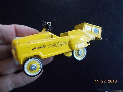 "Hallmark / Murray ""Sad Face"" Dump Truck Yellow Ornament, 1997, Excellent Cond."