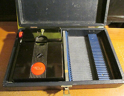 Vintage 1950s REALIST Stereo Red Button Slide Viewer + CASE * for Parts/Repair