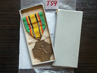 Vintage Medal Belgium Ww Ii 1949-45  With Original Box T59