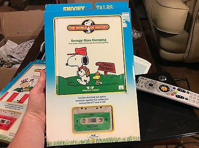 """World Of Wonder Talking Snoopy Book Tape """"Snoopy Goes Camping"""" w Orgnl Package"""