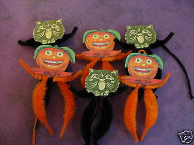 Primitive Vintage Style Halloween Cats & Jol Ornaments Chenille Feather Tree