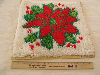 Completed Latch Hook Christmas Pillow Cover Wall Hanging Poinsettia About 13x13
