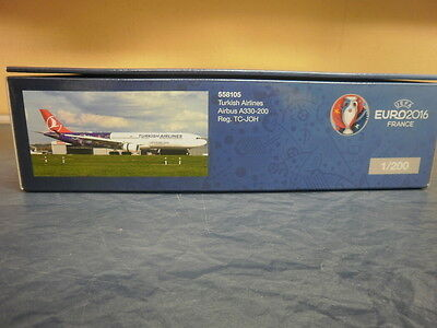 Herpa Wings 1:200 Airbus A 340-300 Turkish Airlines EM 2016