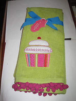New St Nicholas Square set of 2 cupcake hand towels