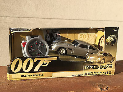 James Bond ASTON MARTIN DB5 CASINO ROYALE REMOTE CONTROL WATCH OPERATED CAR