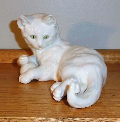 Hutschenreuther Selb White Cat - Signed Achtziger