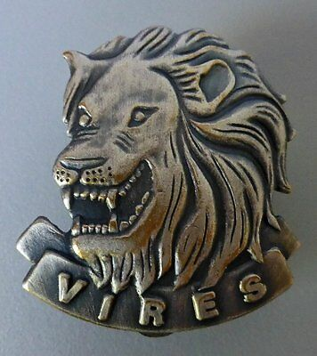 SOUTH AFRICA ARMY STATE PRESIDENTS GUARD obsolete AFRICAN LION METAL CAP BADGE