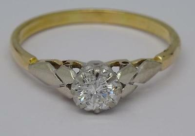 **beautiful Vintage 18Ct Gold 0.30Ct Round Cut Diamond Solitaire Ring***