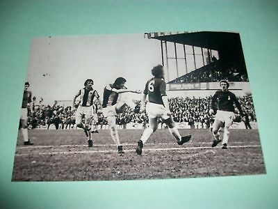 """OLDHAM v WEST BROMWICH ALBION   1975/6 Tony Brown scoring   6""""x4""""  REPRINT"""