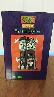 New Lemax Spooky Town village Ghostly Manor house halloween Exclusive 2016