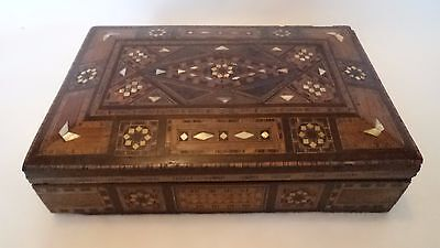 VICTORIAN / EDWARDIAN c1900 PARQUETRY & MOTHER OF PEARL GAMES / WORK BOX