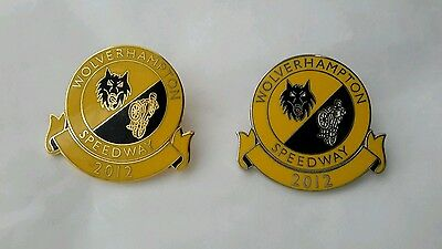 2 Wolverhampton Wolves 2012 Speedway Badges (Gold & Silver)