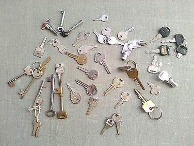 43 Assorted Mixed Vintage Antique Steampunk Metal Keys -Yale, Cabinet, Suitcase
