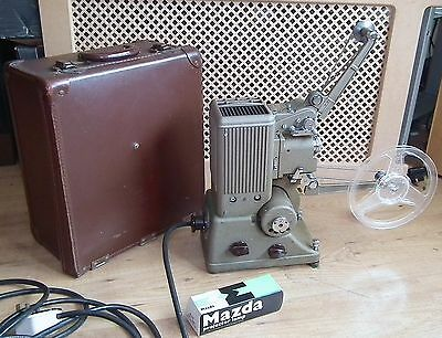 Vintage 1950's Specto 500 8mm Home Movie Cine Film Projector & Case - Working