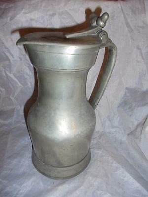ANTIQUE PEWTER LIDDED WINE JUG WITH ACORN FINIALS, 23cm TALL