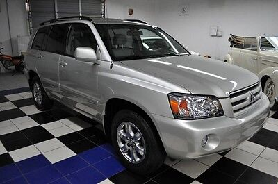 2005 Toyota Highlander WOW !!!! ONLY 17K MILES SINCE NEW! ONE OWNER !!! ALL AROUND LIKE A BRAND NEW CAR !!!