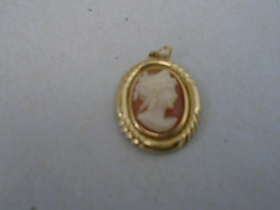 Stunning Vintage Sterling Silver 10k Gold Plated Shell Cameo Pendant Fine Detail