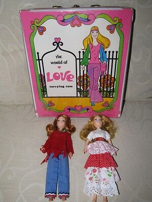 Hasbro World of Love Carry Case + 2 Dolls - EXC COND !!