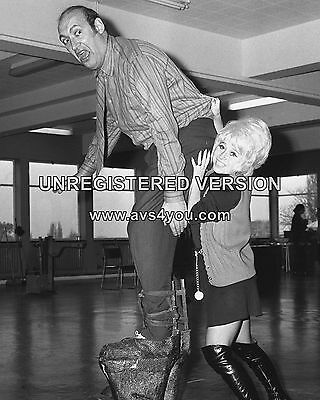 """Barbara Windsor Carry On Films 10"""" x 8"""" Photograph no 126"""