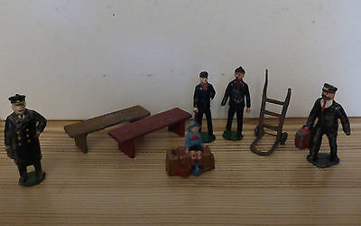 O Gauge Model Railway Figures And Accessories.