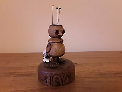 QUIRKY & UNUSUAL VINTAGE 1930's WOODEN BIRD SEWING/THIMBLE/PIN CUSHION/STAND