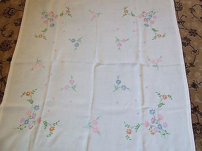 Vintage Pretty Hand Embroidered White Rayon & Cotton Table Cloth.
