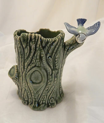 Lovely Wade Vase / Pot With Bird Decoration