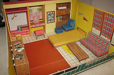 Vintage Barbie Dream House with Furniture 1962 - See pics