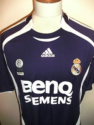 Real Madrid Football Shirt Size Large.