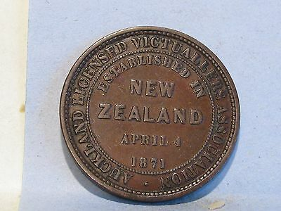 New Zealand **auckland** Licensed Victuallers Penny Token  Dated 1871 (1)