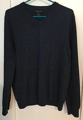 Bloomingdales The Men's Store Blue 100% Cashmere V-Neck Sweater M