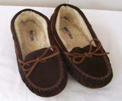 Ladies Minnetonka  Moccasin Slippers Brown Suede Size 8