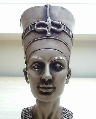 Queen Nefertiti Bust / Egypt Pharaoh Nefertiti