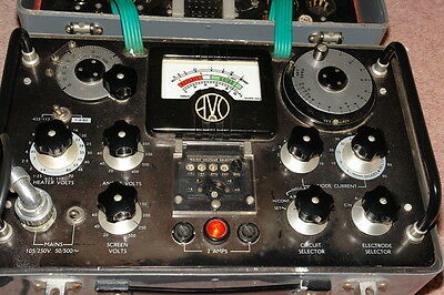 AVO VALVE TESTER TYPE CT160 + INSTRUCTIONS & AVO VALVE DATA BOOK Collection Only