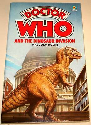 DOCTOR WHO : The DINOSAUR INVASION  Target Paperback Book 1984  VFN