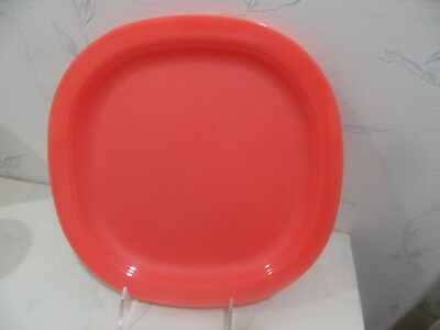 """NEW Tupperware IMPRESSIONS 9 1/2"""" Microwave Reheatable LUNCH PLATES (4) - NEW"""