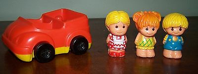 VINTAGE TREE TOTS FIGURES IN CAR - MOM WILLOW, CHIP & HONEY - 1970's