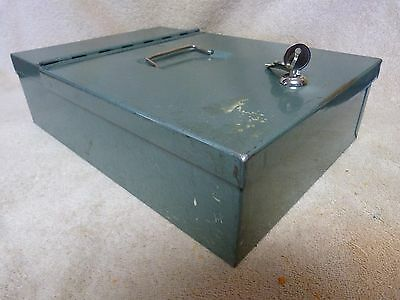 Vtg Deluxe Protecto Security Lock Box Heavy Duty Fire Safe Cash Box with Lock